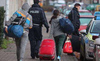 Dëbime të reja befasuese të azilkërkuesve kosovarë në Gjermani