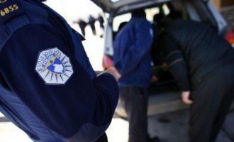 Arrestohen tre persona të dyshuar – rrëmbejnë një person