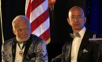 48 vite më parë shkoi në hënë – rrëfimi i astronautit 87-vjeçar