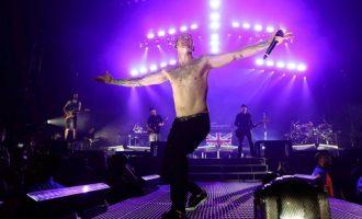 Performanca e fundit e Linkin Park me Chester Bennington, vokalisti kishte zbritur në turmën e fansave