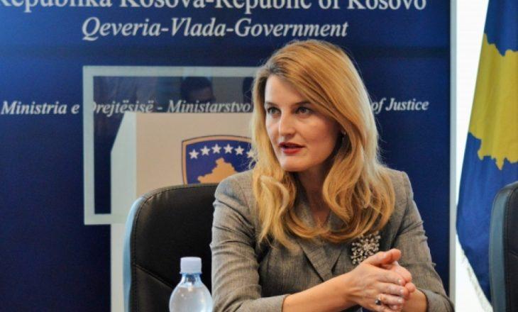 Ministrja e Drejtësisë reagon pas sulmit kundër bashkëshortes së Stavilecit