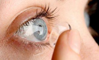 Gruaja që nuk e dinte se i kishte 27 thjerrëza në syrin e saj shokon doktorët