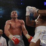Rrëfimi i Joshuas se si e rrëzoi Wladimir Klitschkon në meçin e fundit