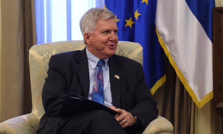 Ambasadori amerikan në Beograd: Mund të ketë marrëveshje finale nëse ka guxim