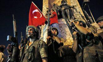 Gazetarët dënohen me burgim të përjetshëm për tentim puçin në Turqi