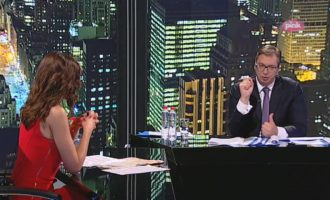 """Vuçiq """"hap letrat"""" për Kosovën, deklaron gjëra të pathëna më parë"""