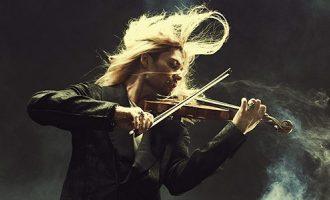 Violinisti rock që bashkon Mozart dhe Metallica