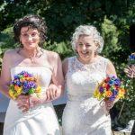 U martuan burrë e grua, e përsërisin si dy gra