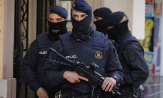 Sulm në Barcelonë, policia e trajton si terrorist