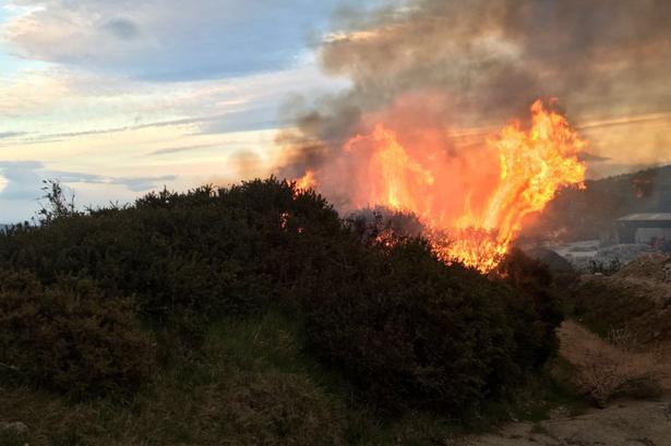 Situatë e rëndë nga zjarret në Shqipëri, 15 vatra të reja