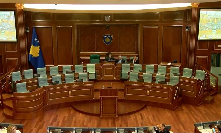 Sekretari i Kuvendit nuk e sqaron situatën e krijuar