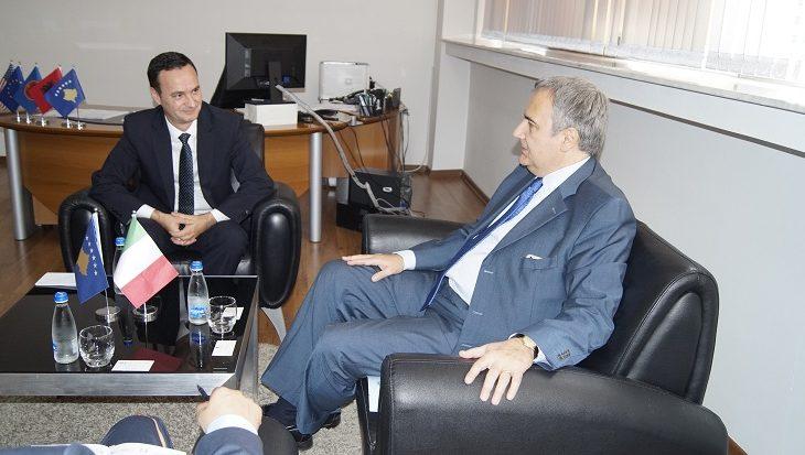 Ambasadori italian interesohet për rritjen e shkëmbimeve tregtare