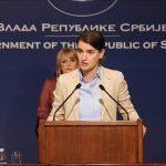 Kryeministrja e Serbisë reagon mbi tërheqjen e personelit nga ambasada në Shkup