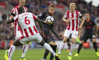 VIDEO: Arsenali anemik befasohet nga Stoke City