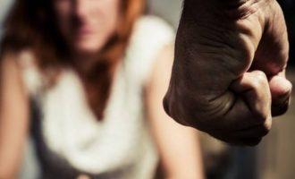 Vdes gruaja pas rrahjes nga bashkëshorti