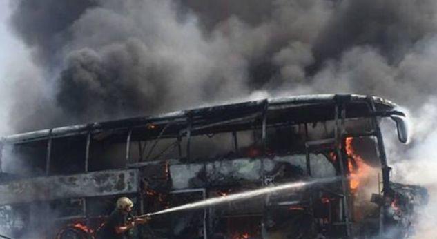 Policia jep detaje për djegien e autobusit me turistë kosovarë
