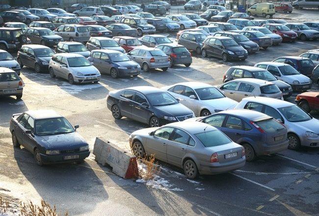 Çdo e katërta makinë në Kosovë është e pasiguruar