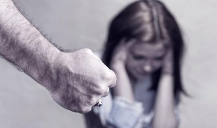 Babai i alkoolizuar dhunon vajzën 12-vjeçare