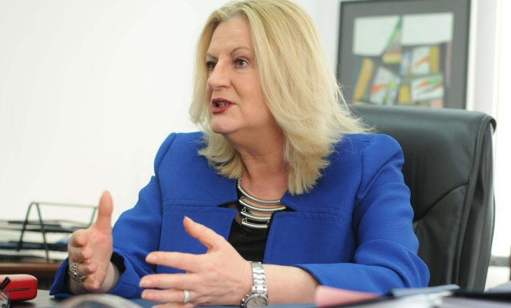 Edita Tahiri, Vuçiqit: Rrena është politikë e Serbisë, asnjëherë nuk më nxori nga takimi