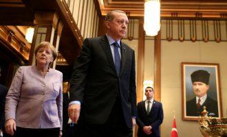 Thirrja e Erdoganit për turqit në Gjermani: Mos e votoni Merkelin