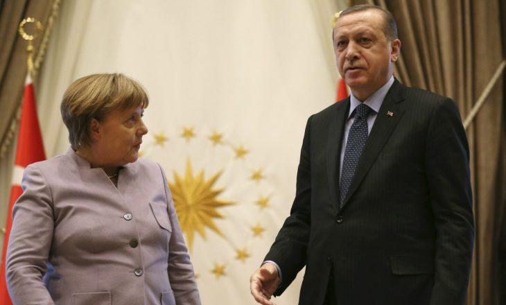 Erdogan: Partia e Merkelit, armike e Turqisë