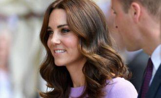 Pse familja mbretërore nuk firmos kurrë autografë