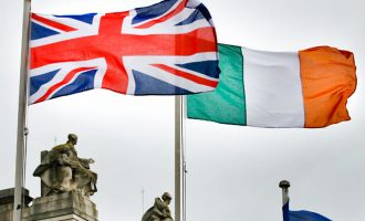 "Britania: Brexit ""pa kufij"" me Irlandën e Veriut"