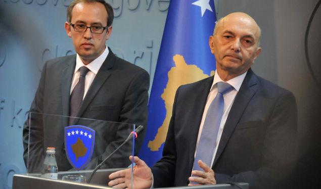 Hoti: Secili grup politik ta dënojë sulmin ndaj Vitore Stavilecit