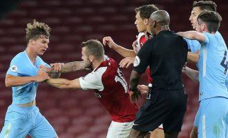 Wilshere përleshet gjatë një ndeshje me të rinjtë e Arsenalit [video]