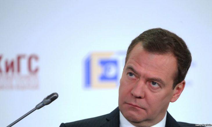 Kryeministri rus dënon ashpër legjislacionin amerikan për sanksionimin e Rusisë