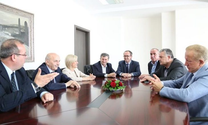Alternativa jep detaje nga takimi mes LAA-së dhe VV-së