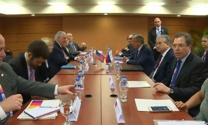 """Tillerson i tha Lavrovit se përzierja ruse në zgjedhje ka krijuar """"mosbesim"""""""