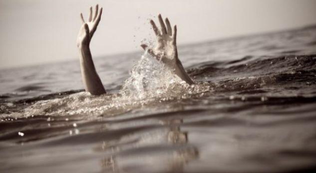 Trajneri i notit shpëton mrekullisht nga mbytja 16-vjeçarin në Sarandë