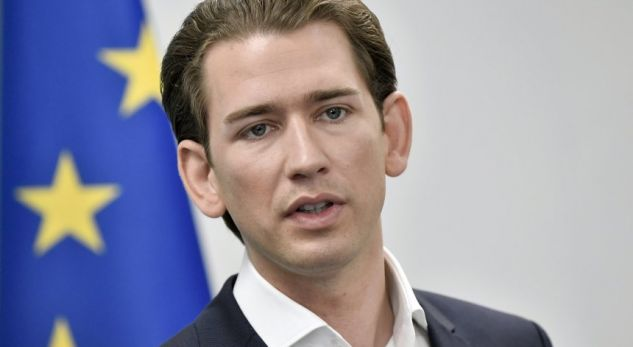 Ministri austriak: Gratë në Prishtinë dhe Sarajevë po paguhen për t'u mbuluar