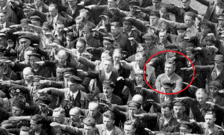 Historia e dhimbshme e gjermanit që refuzoi ta bëjë përshëndetjen famëkeqe të Hitlerit