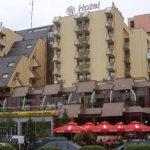 Flet pronari i hotelit në Gjakovë për të cilin u ankua ministrja e Shqipërisë