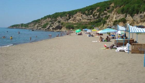 Pushime në Itali për të shitur drogë në plazh, arrestohet shqiptari