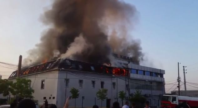 Digjet një hotel në Vushtrri (Video)