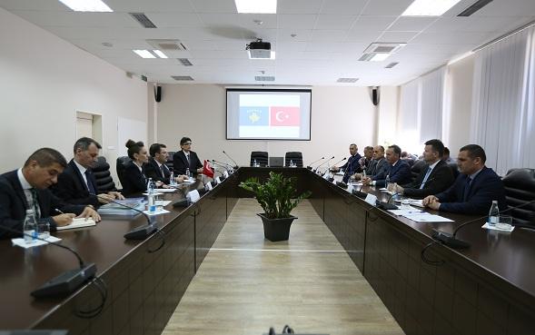 Turqia përkrah inkuadrimin e Kosovës në Interpol