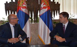 Si të silleni nesër në Kuvend: Këshillat e Gjuriq për Listën Serbe