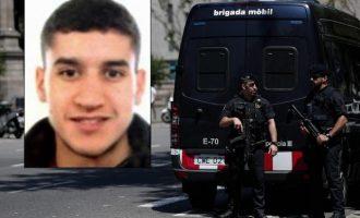 Policia në kërkim të drejtuesit të makinës në sulmin në Barcelonë