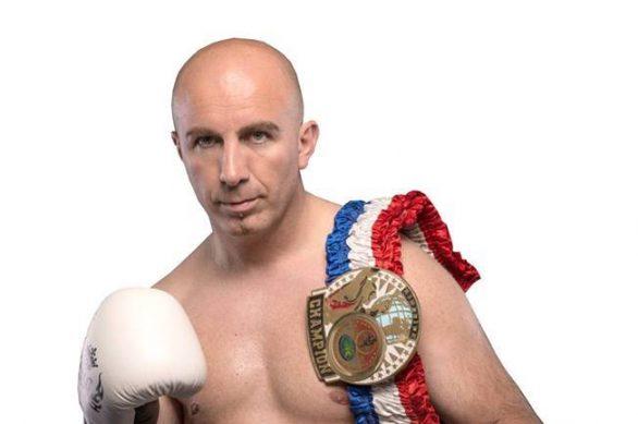 Kampioni i botës në boks kalon në PDK