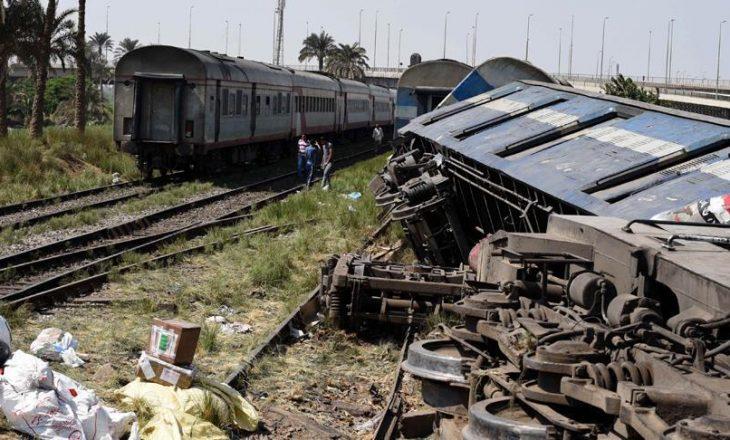 36 të vdekur nga përplasja e trenave në Egjipt