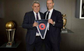 Presidenti i UEFA-s viziton sot Kosovën