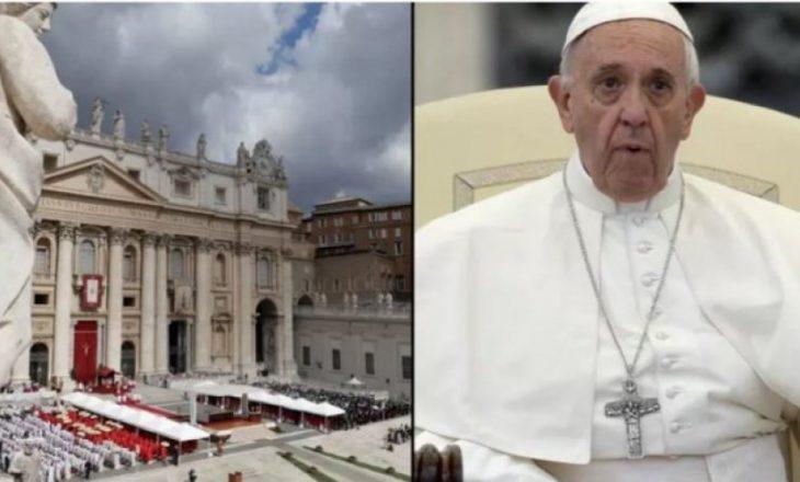Orgji, seks me të mitur dhe drogë, skandalet seksuale që njollosën Vatikanin
