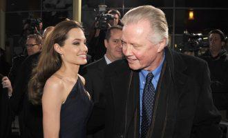 """Premiera """"pajton"""" Jolie me të atin"""