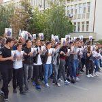 Një grup nxënësish kërkojnë drejtësi për Aulonin