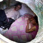 Njihuni me çiftin që jeton prej 22 vitesh në kanalizim (Foto)