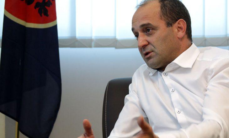 Dardan Gashi mbledh rreth vetes ish-rugovistët