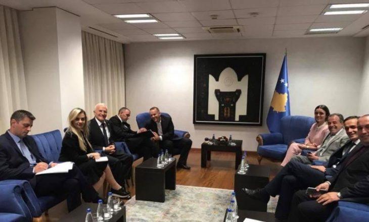 Haradinaj bën këshilltar të dënuarin për keqpërdorime të fondit milionësh